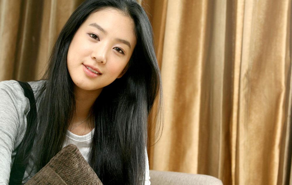 这个韩国女明星叫什么名字?