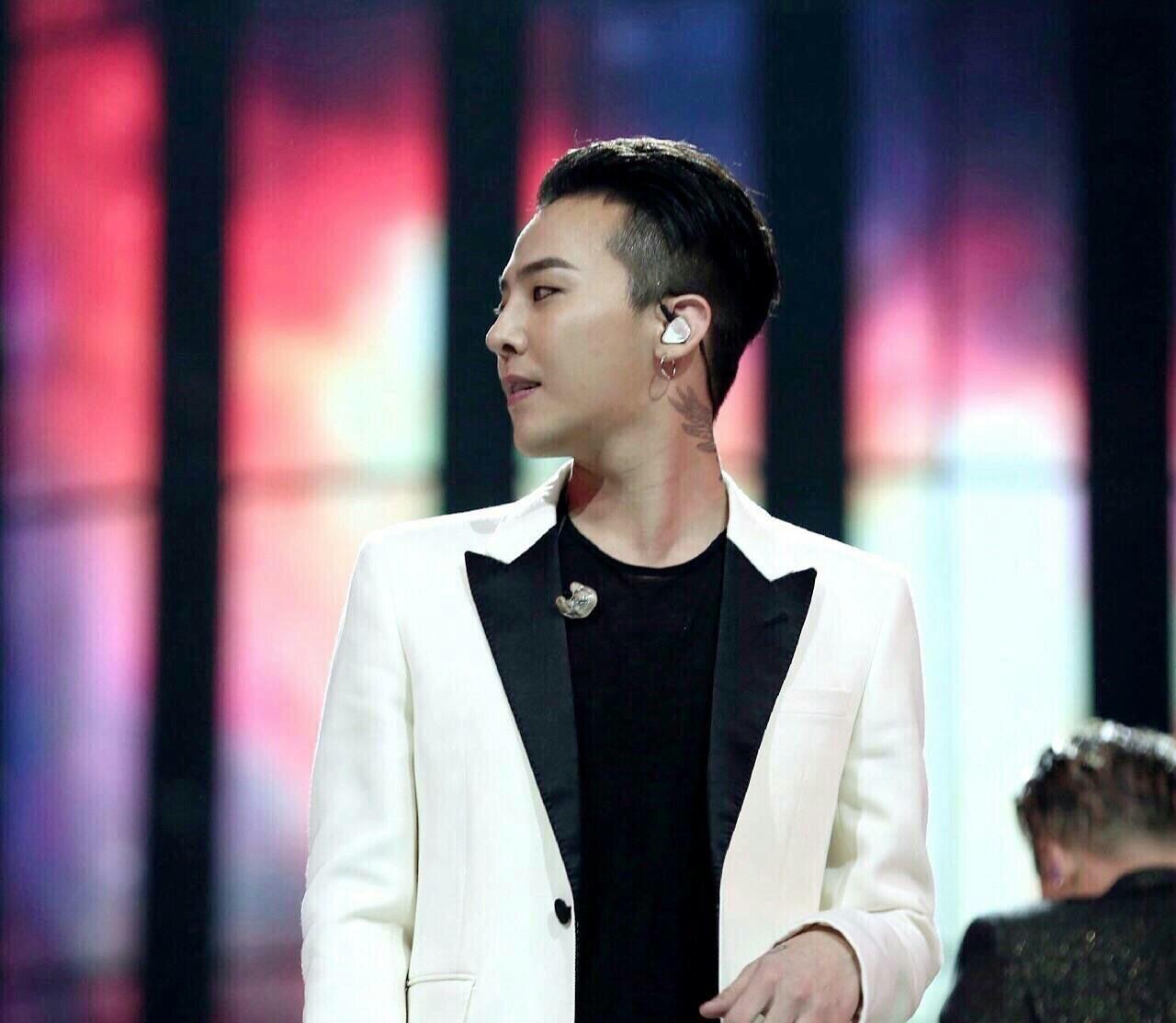 在湖南卫视跨年演唱会中bigbang中哪个是权志龙图片图片