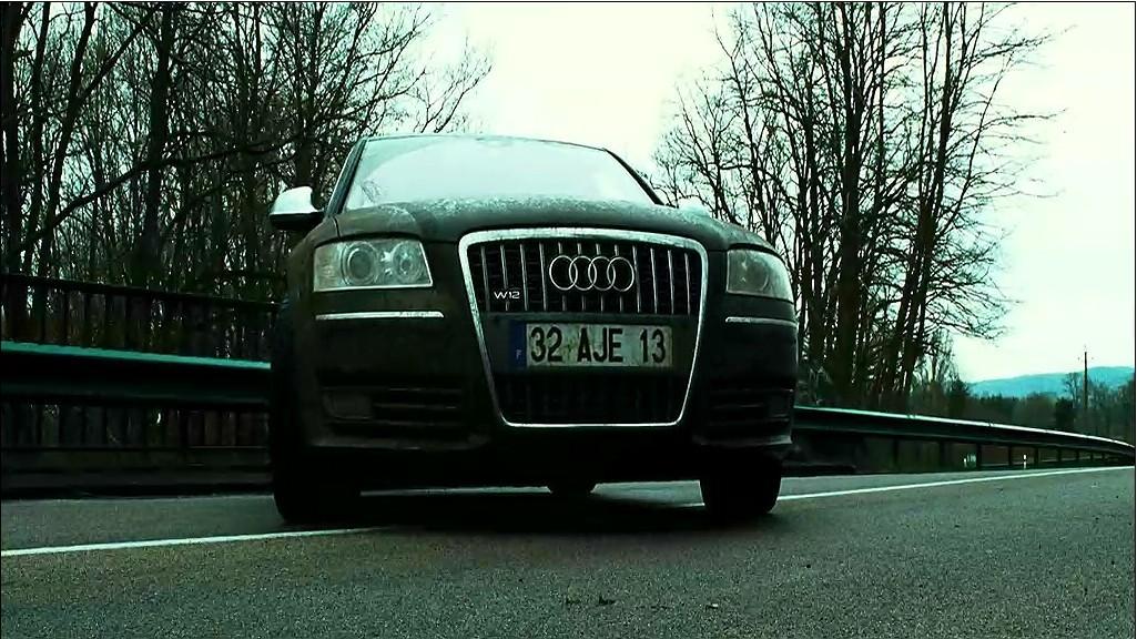 《非常人贩3》里面杰森·斯坦森开的是奥迪的哪款车?有的说是a8跟s8.图片