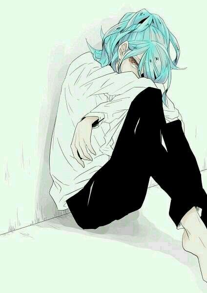 求动漫人物缩在墙角伤心地坐在地上抱双腿把头埋在腿上的图片.图片