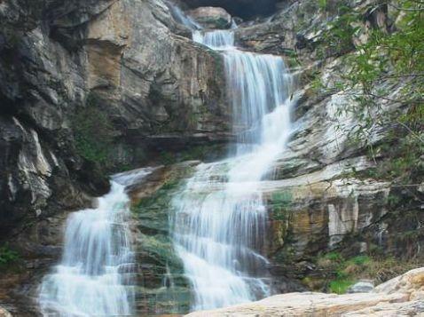大石峪景区总面积18平方公里.