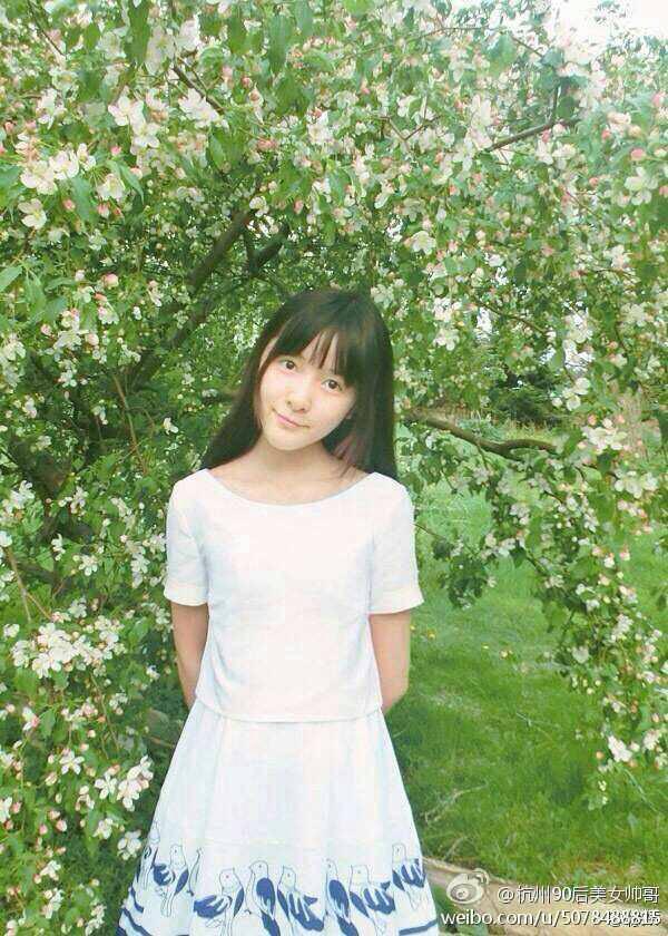 15岁女孩徐娇的照片10张 竖