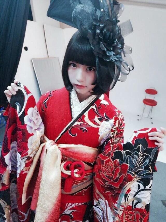 穿和服的日本娃娃图片