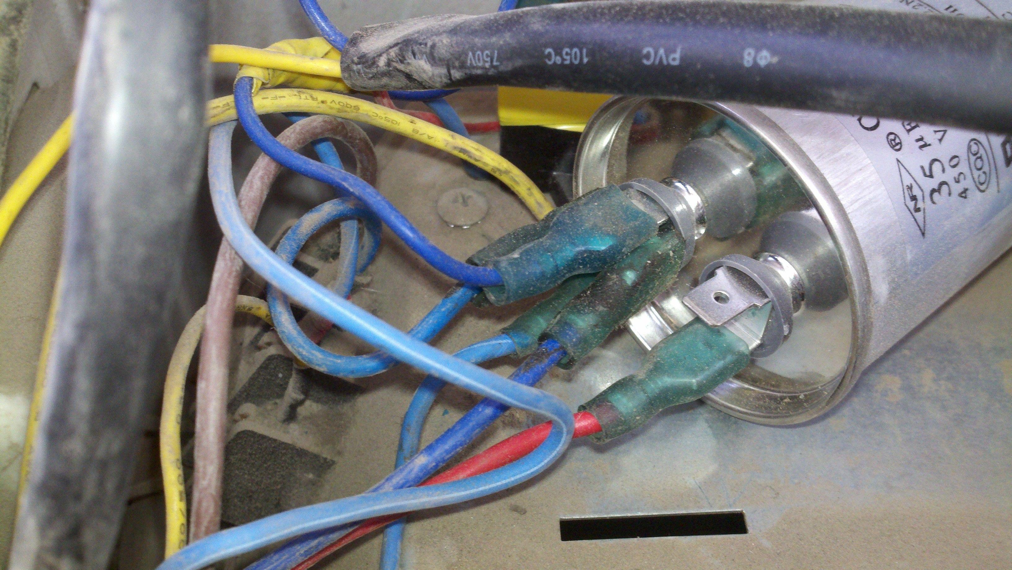 空调内风机启动电容有三条线,万能电路板才有两个接线图片