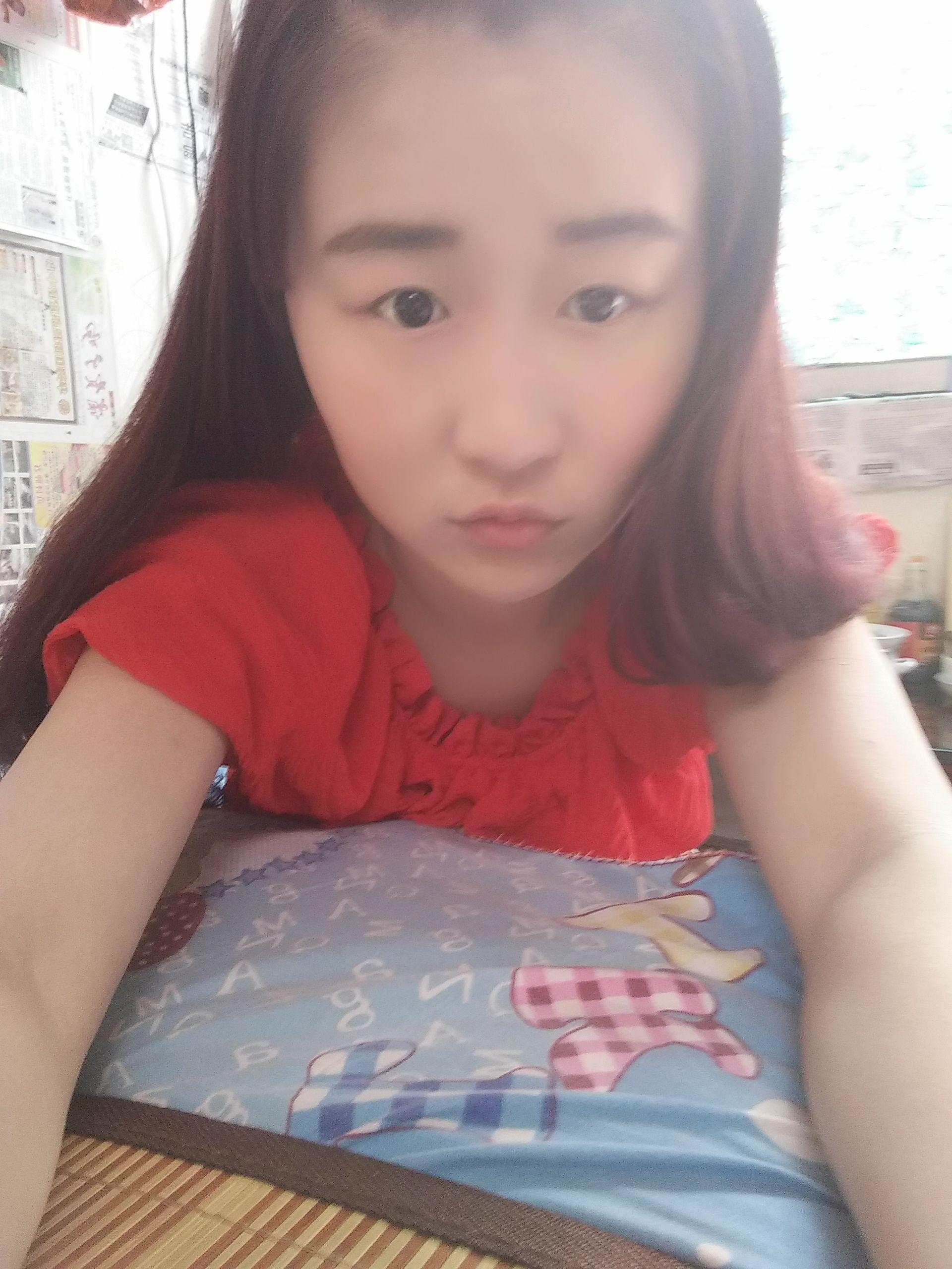 眉毛适合画什么颜色?我头发是红点带点紫,红色多点.很纠结啊!图片