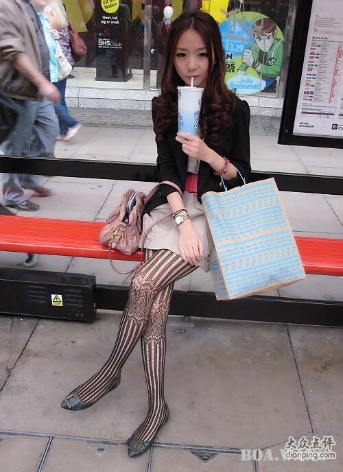 看到女生穿连裤袜 内心总是很羡慕