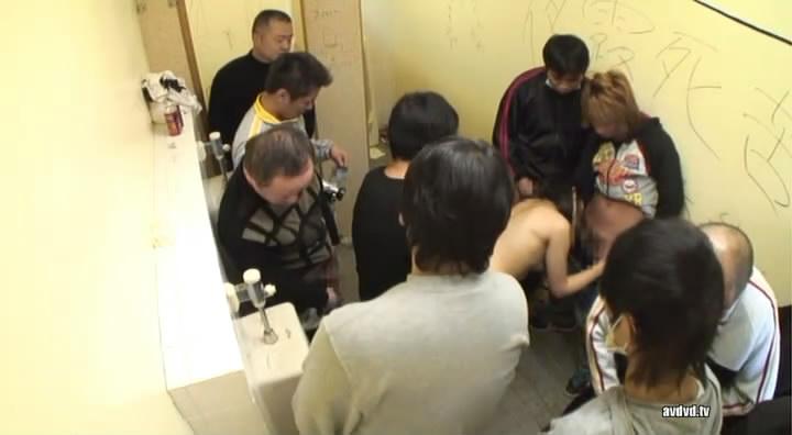 求放荡女优的名字 最好是在厕所3p的