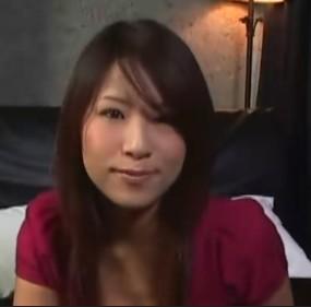 你好, 她是:一ノ瀬あきら (别采纳错了,我