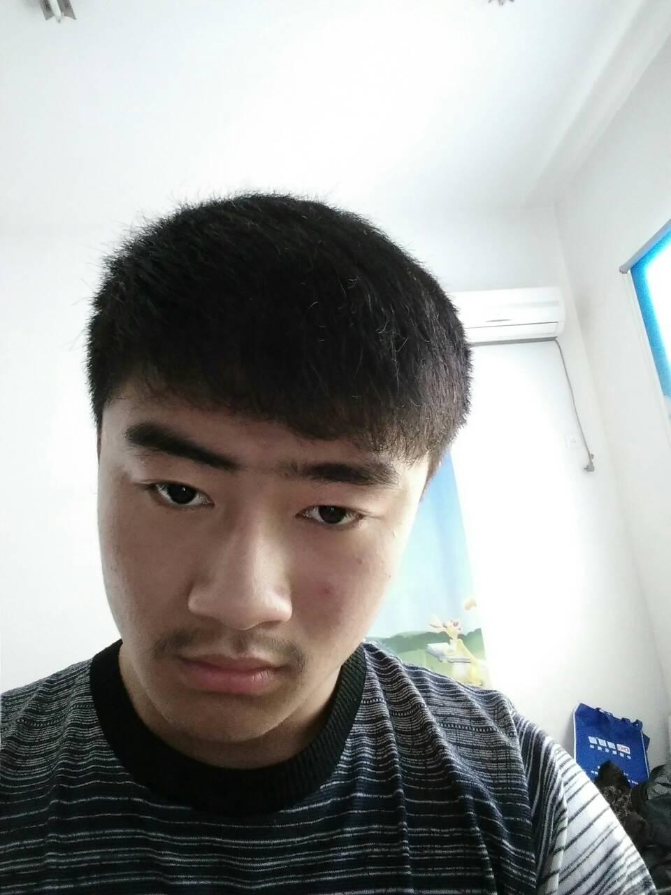 男生,头发自然卷怎么办,要寸头吗图片