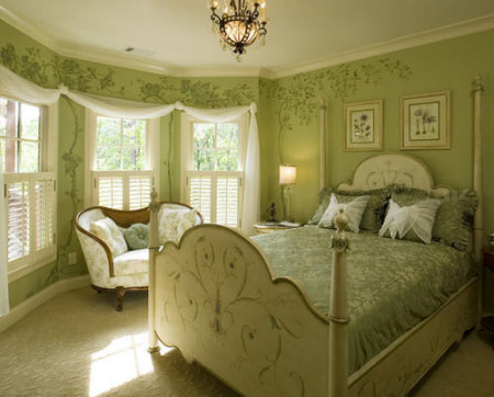 白色雕花欧式的床,橡胶原木地板图片