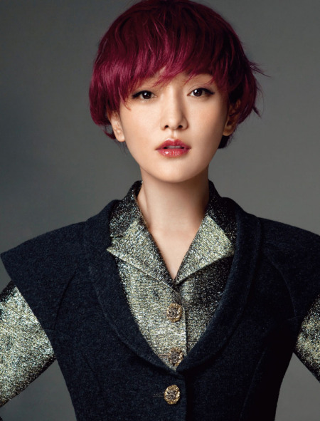 红色短发怎么搭配衣服好图片图片