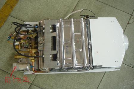 燃气热水器进水口有一个开关,是什么开关?有什么用?图片