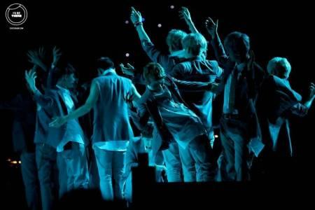 求exo狼与美女打歌舞台生命之树的高清大图