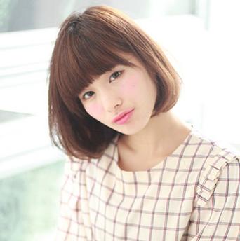 短发直发微卷发型 女中短发直发图片