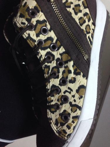 双排孔的鞋带怎么穿呀?有人知道吗图片