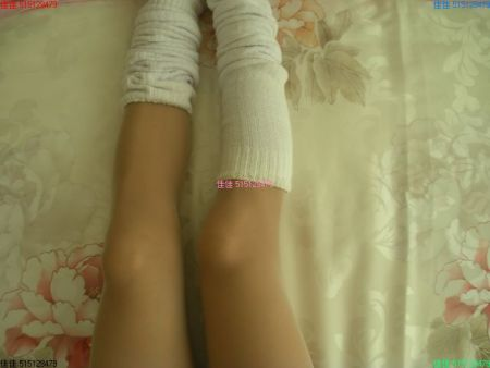 日本学生装里面的白色棉袜