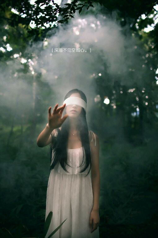 求适合做qq透明皮肤的唯美图片图片