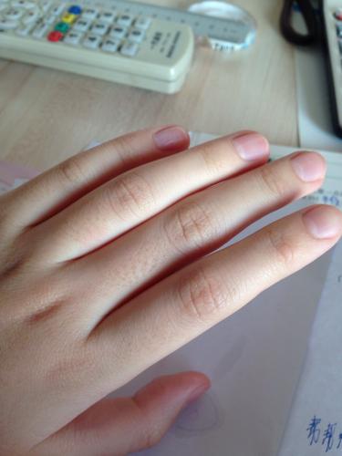 屄啊爽大粗_请问这样的手指头算粗吗我:女12