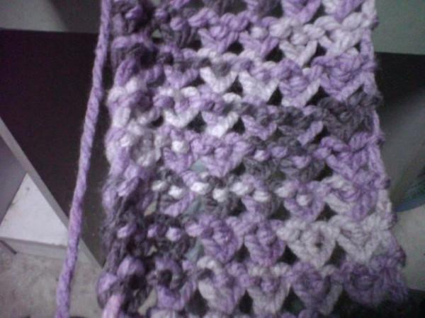 有谁会这种爱心形图案围巾织法?图片
