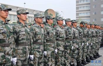 07式预备役军服 空军男春秋常服 郑文浩 摄图片