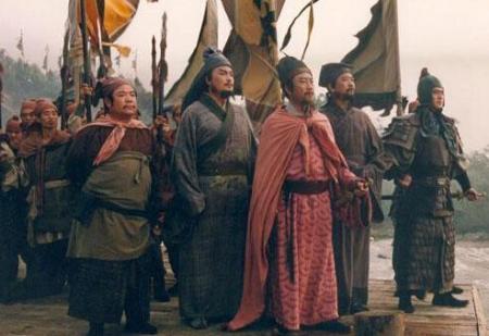 《水浒传》中宋江为什么会被逼上梁山?