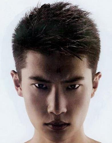 李赫宰的这个发型叫什么名字啊 我想剪个不知道是什么图片